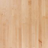 Unsere Arbeitsplatte Birke hat einen wunderschönen, hellen honigfarbenen Ton mit einer abwechslungsreichen Maserung.