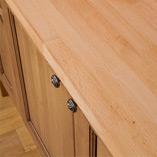 Unsere Buche-Arbeitsplatten sind perfekt belastbare Oberflächen für traditionelle Massivholz Küchen.