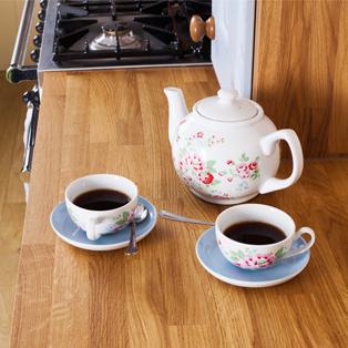 Eiche-Arbeitsplatten sind ideale Oberflächen für traditionelle Küchen.