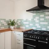 Der natürliche Charakter macht Eiche Deluxe Arbeitsplatten zur idealen Oberfläche in luxuriösen Küchen mit traditionellem Stil.
