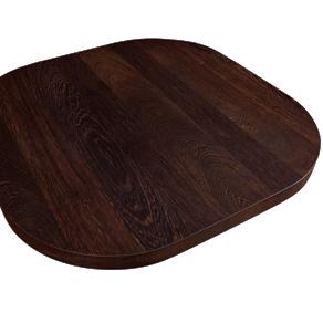 Eine miniatur Kücheninsel mit vier Radius-Ecken, hergestellt aus Wenge mit durchgehenden Lamellen – unser luxoriöstes Holz.