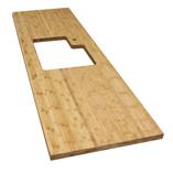 Diese Bambus Arbeitsplatte hat einen Ausschnitt für eine Einbauspüle, einen Wasserhahn und eine kleine Radius-Ecke links oben.