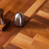 Unsere Nussbaum-Arbeitsplatten sind sowohl für moderne als auch traditionelle Kücheneinrichtungen geeignet.