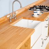 Unsere Premium-Buche-Arbeitsplatten sind die ideale Oberfläche für eine traditionelle Massivholz-Küche.