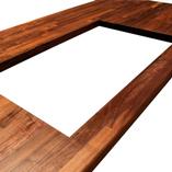 Amerikanischer-Nussbaum-Arbeitsplatte mit Ausschnitt für eine aufliegende Spüle.