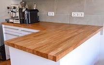 Eine Kundenküche mit Premium-Eiche-Arbeitsplatten.