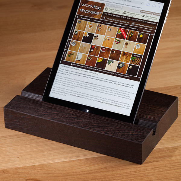 ipad st nder aus wenge massivholz tablet halter aus wenge. Black Bedroom Furniture Sets. Home Design Ideas
